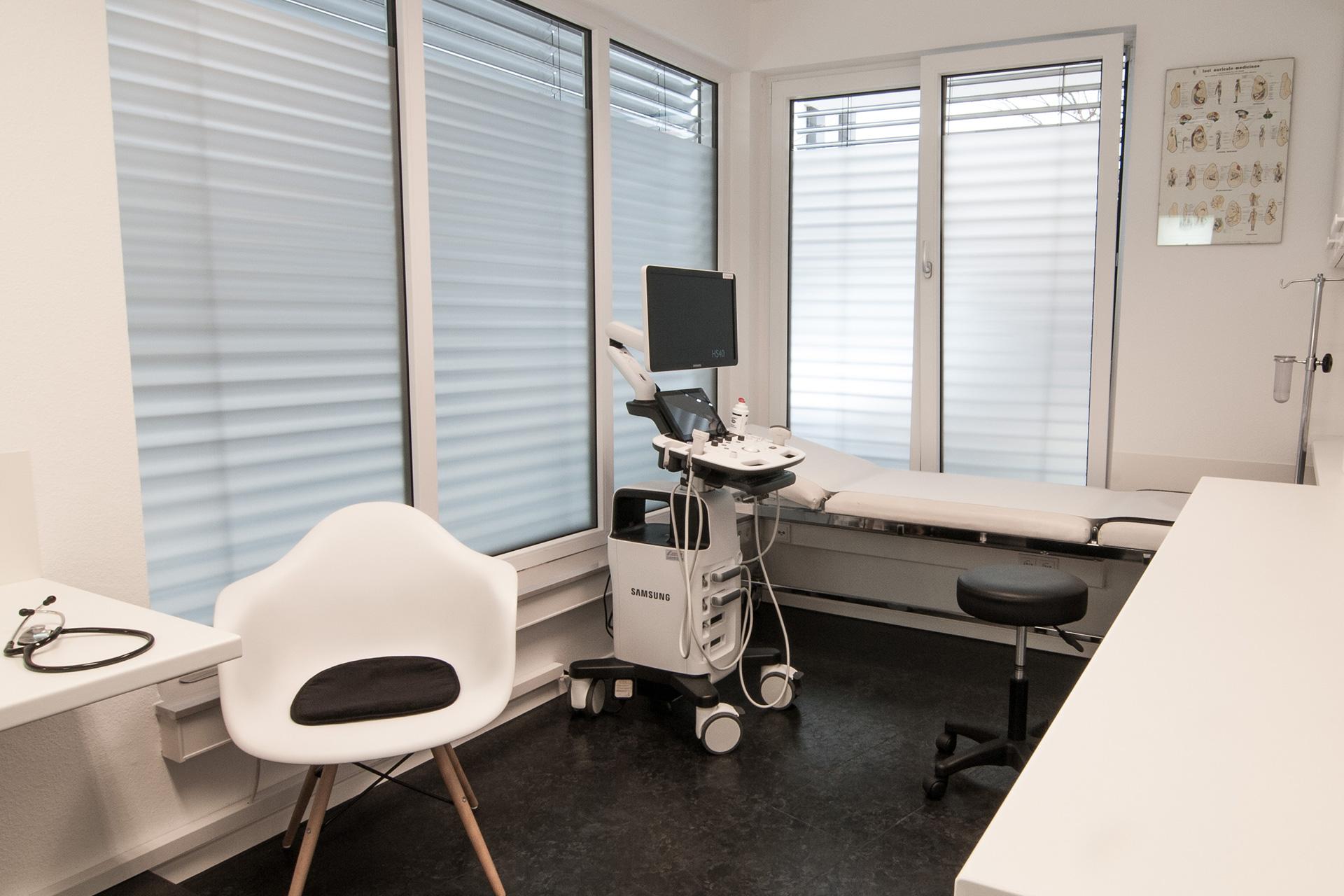 Sonografie-Ultraschall Untersuchungen Arztpraxis Hegnach
